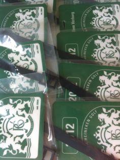 Jaartal bedrukking per golfseizoen, direct op de bag tag of door middel van een jaarsticker: http://www.bagtags.nl/golfclubs.html