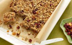 Homemade granola bars by Ina Garten (Oats, Wheat) .
