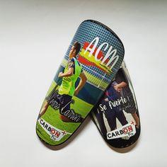 Cuándo el aliento de tu familia se convierte en la mejor arma 🛡️👊 📍 www.carbonplus.es 📧 info@carbonplus.es 📞 688906884 #100x100carbono #espinilleras #espinilleraspersonalizadas #shinpads #shinguards #customshinguards #customshinpads #caneleiras #protegetibia #parastinchi #parastinchipersonalizzati Pool Slides, Sandals, Shoes, Fashion, Fiber, Moda, Shoes Sandals, Zapatos, Shoes Outlet