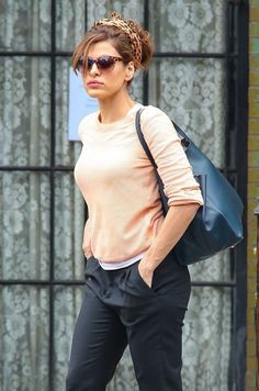 Eva Mendes Photos Photos: Eva Mendes Checks Out of Her NYC Hotel 2 Eva Mendes - style perfection Eva Mendes, Nyc Hotels, Love Her Style, Trends, Glamour, Look Cool, Beautiful People, Celebrity Style, Hollywood
