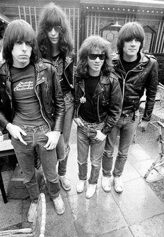 The-Ramones.jpg (849×1227)