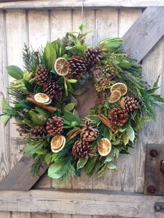 TIP: Add dried fruit slices and cinnamon sticks makes for a deliciously-scented Christmas wreath!