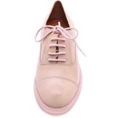 Marc By Marc Jacobs Sole Mates Oxfords - Tan/Pink (€155) ❤ liked on Polyvore featuring shoes, oxfords, flats, footwear, pink shoes, tan flats, lace up oxford flats, oxford flats and leather flats