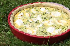 Voici une tarte aux courgettes râpées, sauce tomate et chèvre frais. Avec une délicieuse pâte brisée aux herbes de provence. Ingrédients... Mashed Potatoes, Pizza, Sauce Tomate, Voici, Cooking, Cake, Ethnic Recipes, Provence, Food