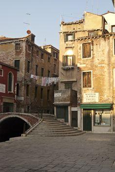 San Cassan, San Polo - photo by Irene Finessi, Venice, Italy