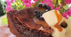 Tämä ohje on ollut jo vanhassa blogissakin, mutta laitan sen uudestaan, sillä kakku on herkullista vaikkei gluteenitonta ruokavaliota tarvit...