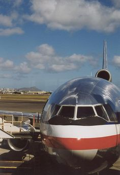 American Airlines DC-10 - big, rumbling and spacious. Much easier to get the job done...