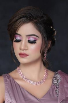 View Portfolio & Prices for Goldy Hunjan Makeup Studio. He is one of the top Makeup and Hair Artists in Delhi with more than 15 years of experience in the industry. View mobile no, shortlist & request quote for best prices. Get 30% discount with WedAbout.
