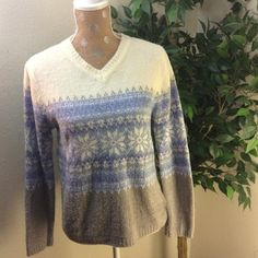 Croft and barrow sweater. Beautiful croft and barrow sweater. 100% acrylic. Very soft and comfortable. Excellent condition. Croft & Barrow Sweaters V-Necks