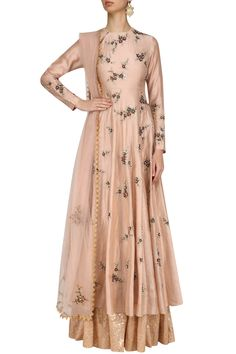 Joy mitra presents Peach floral embroidered anarkali kurta and skirt set available only at Pernia's Pop Up Shop. Indian Gowns, Indian Attire, Pakistani Dresses, Indian Wear, Ethnic Outfits, Indian Outfits, Trendy Outfits, Punjabi Fashion, Indian Fashion