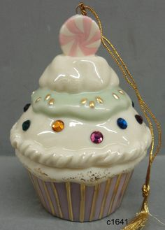 Lenox Ornament SWEET CUPCAKE - New In Box