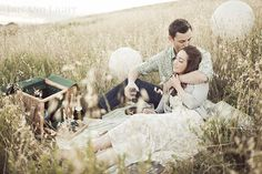 engagement - picnic in open field Picnic Engagement, Engagement Couple, Engagement Pictures, Engagement Shoots, Wedding Engagement, Couple Photography, Engagement Photography, Wedding Photography, Engagement Inspiration