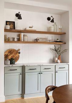 Farmhouse Kitchen Decor, Kitchen Interior, Updated Kitchen, New Kitchen, Kitchen Ideas, Kitchen Black, Interior Desing, Subway Tile Kitchen, Kitchen Tiles Design
