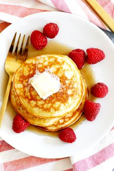 4. Coconut Flour Pancakes #lowcarb #breakfast #recipes http://greatist.com/eat/low-carb-recipes-easy-and-delicious-breakfast-recipes