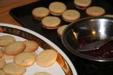 Kokosové brmbolčeky • Recept | svetvomne.sk Pancakes, Pudding, Breakfast, Desserts, Food, Basket, Morning Coffee, Tailgate Desserts, Deserts