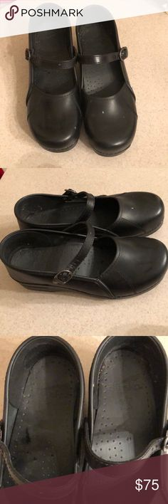 Black Dansko Shoes w/ strap! In good condition.  No major wear/stains. Willing to negotiate price/bundle😊 Dansko Shoes Mules & Clogs