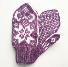 Ravelry: Julestjernevotten pattern by Tonje Haugli Kids Knitting Patterns, Knitting For Kids, Ravelry, Knitwear, Wool, Barn, Traditional, Design, Pattern