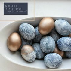 Super easy naturally dyed Easter Eggs. Classy, natural & and so sophisticated. Some pretty big accomplishments for the traditional Easter egg! [Grape juice & vinegar, who knew?!]