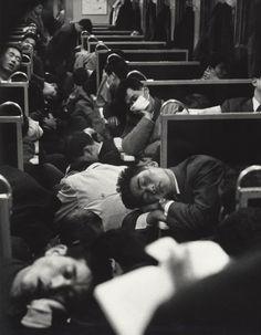 Primer tren de la mañana en Japón, 1964