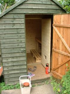 How to build a sauna on a budget: the finished sauna. I so want one of these - never will want a hot tub, but a sauna, yes! Diy Sauna, Garden Shed Diy, Home And Garden, Deco Spa, Building A Sauna, Steel Framing, Outdoor Sauna, Hot Tub Backyard, Shed Plans
