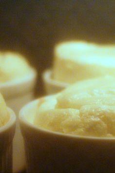 20 Minuten warten auf leckeres Zitronensouflé. Nie war Warten so endlos.  http://www.provence-onlineshop.com/Genusswelt/Bio-Lebensmittelaroma/Zitrone-Koch-Backaroma-Bio-10-ml-natuerliches-Lebensmittelaroma::18.html