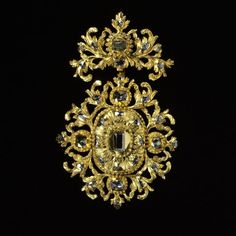 Pendant, ca. 1700 (made). Pendant in two parts composed of table-cut and rose-cut diamonds set in scrolling gold openwork, maade in Spain, about Museum Number India Jewelry, Gems Jewelry, Pendant Jewelry, Bridal Jewelry, Jewelry Art, Antique Jewelry, Vintage Jewelry, Fine Jewelry, Jewellery