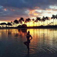 Instagram의 이은혜님: #하와이#와이키키#비키니#신혼여행#신랑이#인생샷#남겨준사진#알로하#셀스타그램#다시가고파