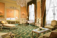 Find your Vienna accommodation at our hotel. Spend an unforgettable night in one of our fabulous rooms and discover the magnificent world of the Hotel Imperial. Burj Al Arab, Mandarin Oriental, Udaipur, Best Hotel Deals, Best Hotels, Hotel Plaza, Taj Mahal, Classical Interior Design, Hotel Villas