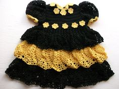 Black Goes With Everything~ 10% Off All Shops Featured In This Treasury! ~ by Lisa Cahill on Etsy