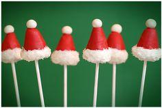 Frutillas decoradas como gorros de Santa Claus