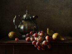 35PHOTO - Диана - С чайником, виноградом и грушами