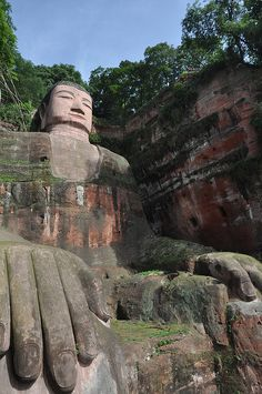 giant buddah in leshan china