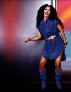 Donna Summer Looking so Native in Blue Suede with Matching Boots 70s Fashion, Urban Fashion, Disco Fashion, Vintage Fashion, Dance Music, 80s Music, Disco Queen, Divas, Musica Disco