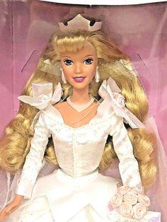 Princess Aurora, Princess Zelda, Disney Princess, Sleeping Beauty Princess, Aurora Sleeping Beauty, Bride Dolls, Disney Toys, Disney Characters, Fictional Characters