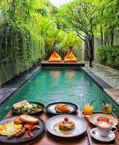 Breakfast at the pool Bali Indonesia Photo by Small Backyard Pools, Small Pools, Swimming Pools Backyard, Swimming Pool Designs, Backyard Landscaping, Backyard Ideas, Landscaping Ideas, Indoor Swimming, Modern Backyard