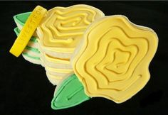 Bake at 350: A Taste of Yellow : Yellow Rose Sugar Cookies