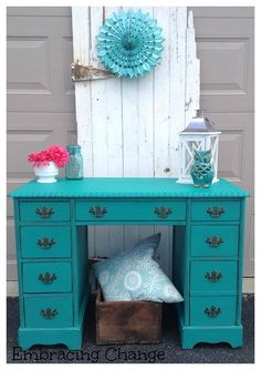 Desk Makover #deskmakeover #furniturepainting #adorned - www.countrychicpaint.com/blog