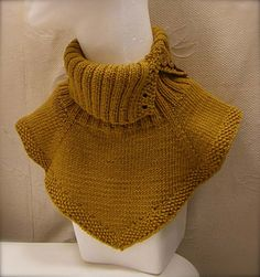 Ravelry: Kylmille ilmoille (For cold days) pattern by Satu Gröhn Knit Cowl, Cowl Scarf, Knitted Cowls, Knit Wrap, Polo Neck, Cold Day, Crochet Scarves, Neck Warmer, Knitting Patterns