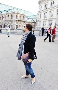 Like a Tourist Prada Clutch, Style Blog, My Style, Blazer With Jeans, Curvy Outfits, Distressed Jeans, Jimmy Choo, Plus Size, Lifestyle