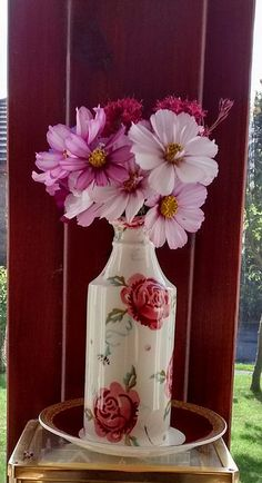 Still flowering in the garden. Cosmos, Vase, Garden, Flowers, Home Decor, Garten, Decoration Home, Room Decor, Lawn And Garden