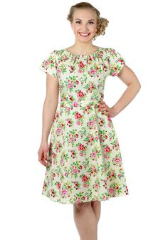 Vanilla Sky Floral Day, 50's dress by Lady Vintage www.misswindyshop.com/mekot…
