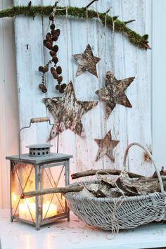 dekorative Sternen aus Baumschale ausschneiden