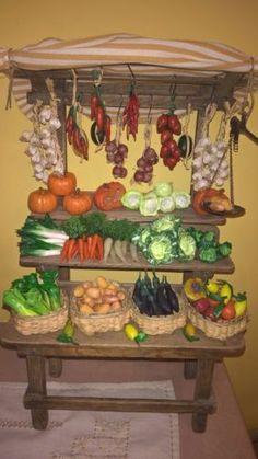Banco-fruttivendolo-PRESEPE-frutta-verdura-in-fimo-e-cera-con-bilancia-stadera