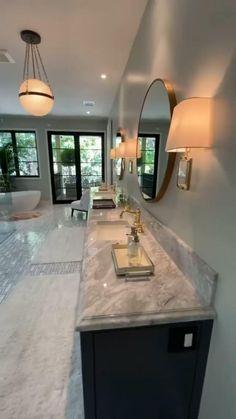 Dream House Interior, Luxury Homes Dream Houses, Dream Home Design, Modern House Design, Luxury Homes Interior, Living Room Interior, Dream Bathrooms, Beautiful Bathrooms, Luxurious Bathrooms