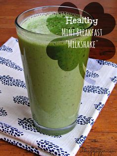 To celebrate the new month of March {my birthday month!} and the upcoming Irish holiday in a few weeks, I have a healthy Mint Breakfast Milkshake recipe to share. Yes, minty and green for St. This recipe is a much healthier copycat of […] Fruit Smoothies, Healthy Smoothies, Healthy Drinks, Yummy Smoothie Recipes, Milkshake Recipes, Oreo Milkshake, Best Probiotic, Chicago, Easy Healthy Recipes