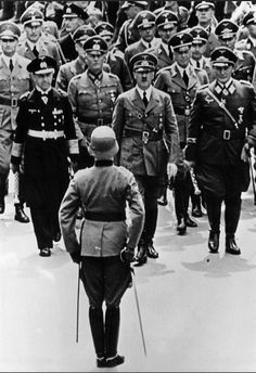 Hitler returning to Berlin from France on July 5, 1940 with Hess, Heydrich, Keitel, Raeder, Dietrich and Goering.