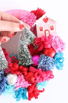 DIY Christmas wreaths | Kitsch wreath tutorial