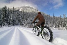 groomed for huge tires On bikes big as a farmhouse breakfast, riding groomed paths, in the Methow Valley Snow… two fat bike demo days are scheduled Fat Bike, Electric Bike Kits, Xc Ski, Winter Cycling, Sport, Belle Photo, Mountain Biking, Idaho, Touring