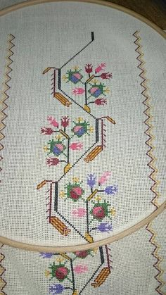 This Pin was discovered by Ays Cross Stitch Bookmarks, Cross Stitch Art, Cross Stitching, Cross Stitch Embroidery, Hand Embroidery, Embroidery Patterns, Cross Stitch Patterns, Linen Napkins, Bargello