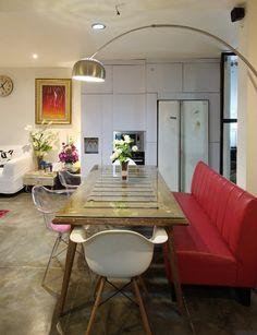 Home.co.id   Inspirasi: Rumah Tumbuh yang Inspiratif Dining Room, Dining Table, Outdoor Tables, Outdoor Decor, Outdoor Furniture, Home Decor, Dinning Table, Interior Design, Dining Room Sets